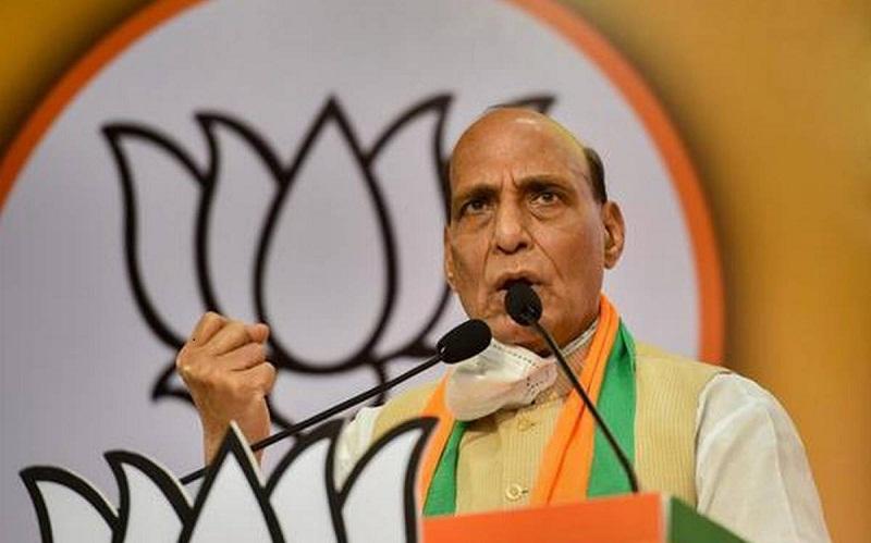 गृहमंत्री लखनऊ में आयोजित भाजपा प्रदेश कार्यसमिति की बैठक का उद्घाटन करने पहुंचे थे।