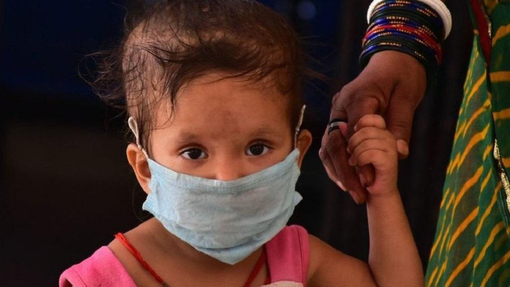 अस्पतालों में आक्सीजन प्लांट लगाने के साथ ही बच्चों के इलाज के लिए सारी व्यवस्थाएं की जा रही है।
