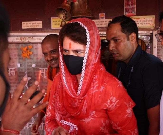 प्रियंका वाड्रा रविवार को दो दिवसीय दौरे पर रायबरेली आईं थी।