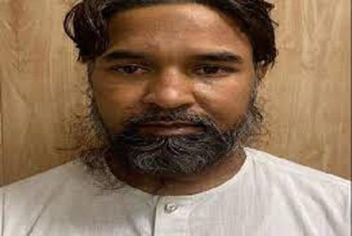 मोहम्मद अशरफ 2011 में दिल्ली हाईकोर्ट के सामने हुए बम धमाकों में  शामिल रहा है।